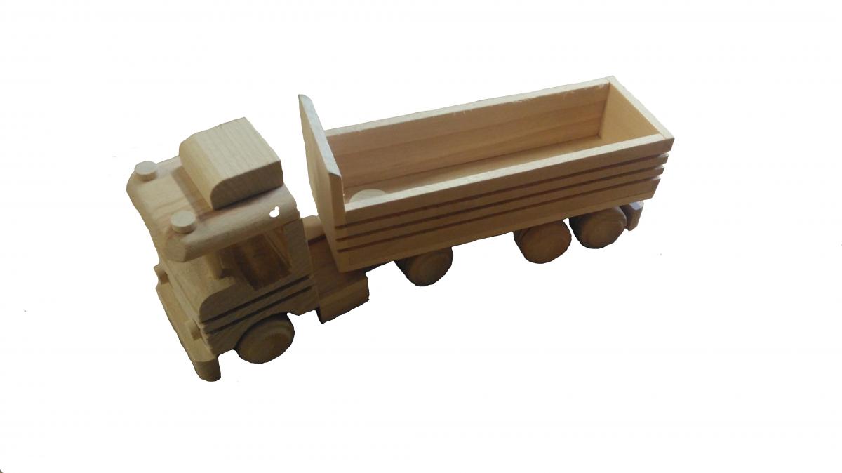 dřevěný kamion